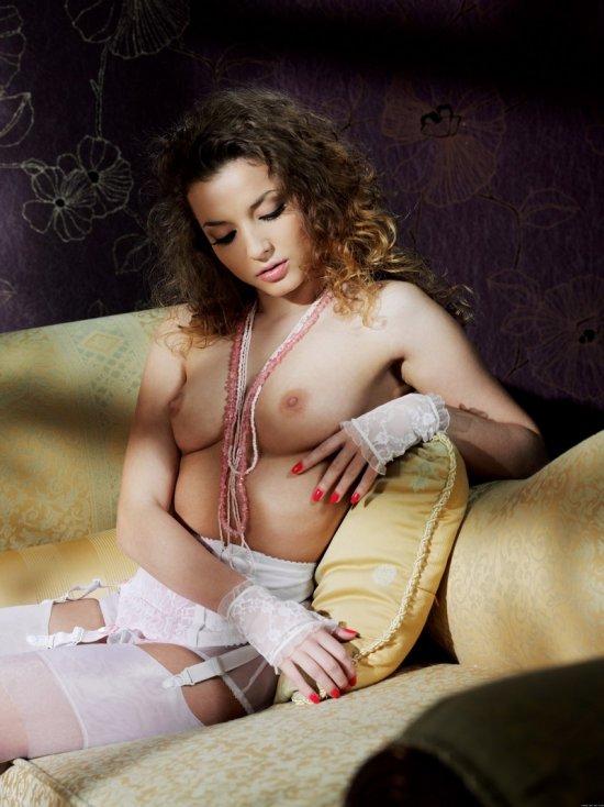 Игра теней в эротике Alisa (20 фото)