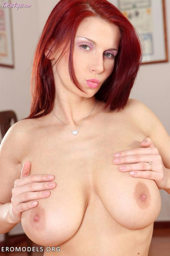 Busty Redhead Bettie Ballhaus Shows Off Lovely Breasts Porzo 1