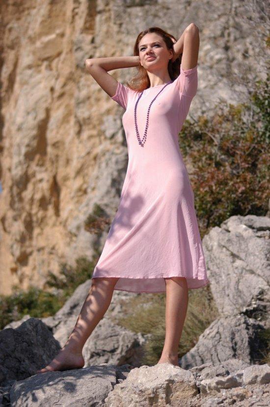 Наедине с собой и эротикой в горах - Ella (20 фото)