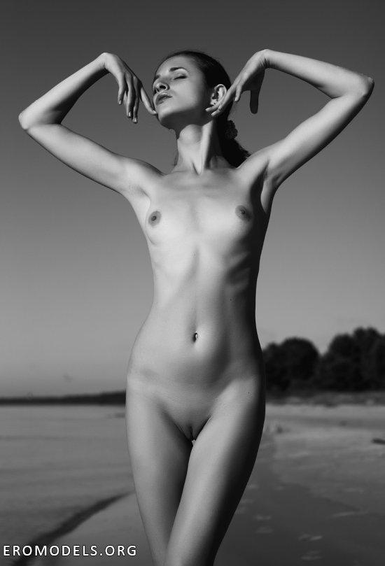 Покоренный женской эротикой Антонов Филипп (54 фото)