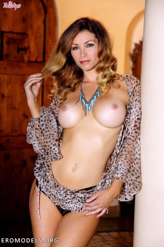 Heather Vandeven Model Ero Metart 1
