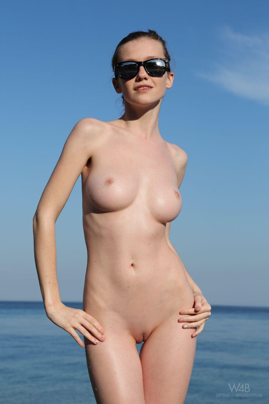 Эротические фото девушек без одежды