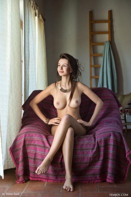 Замкнувшаяся в гордом одиночестве Alisa (18 фото)